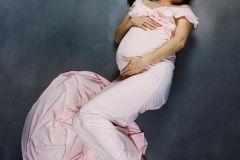 5photo-bedaine-maternite-studio-femme-enceinte